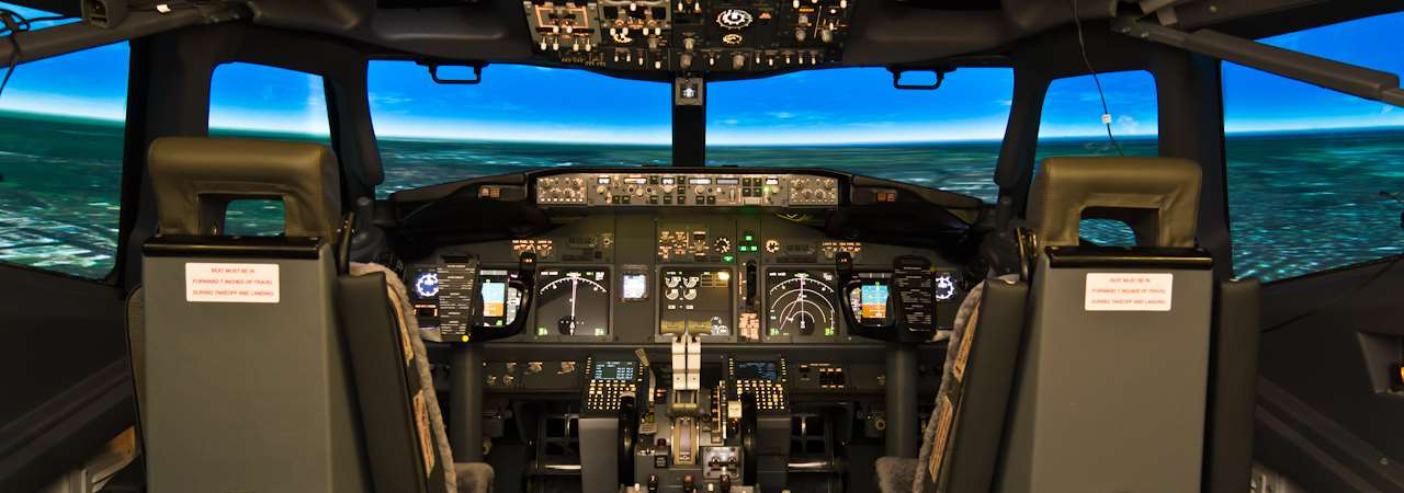 MPS Boeing 737-800w FTD/FBS flight simulator in operation